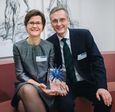 Martina Sester und Christoph Lange mit Preis 2018